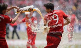 Pieć goli Lewandowskiego i aż trzy rekordy Bundesligi!